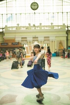 山田杏奈ファースト写真集「PLANET NINE」(東京ニュース通信社刊)