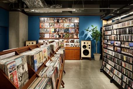 「毎日がレコード市」を謳い、有名レコード店と提携したコーナーを展開