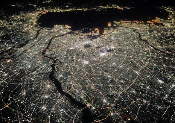 上空1万3700メートルから見た東京 司馬遼太郎の言葉3「漱石の旅路」より (c)小林修(朝日新聞出版写真部)