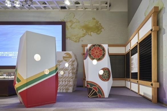明かりの効果による垣間見が体験できる展示装置