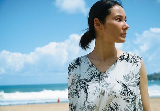 映画『ハナレイ・ベイ』主演・吉田羊さんが語る村上春樹作品の魅力とは J-WAVE『GOOD NEIGHBORS』にスタジオ生出演