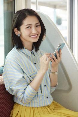 ビジネス書籍サービス「flier(フライヤー)」が岡本玲さんを起用したテレビCMを放映