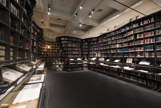 「世界を変えた書物」展福岡展が開催