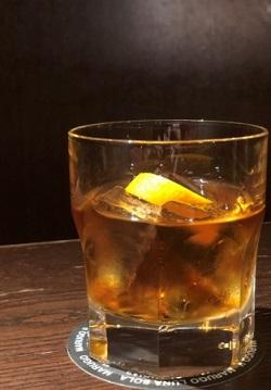男性向けのカクテルは「炎蛹」。アイリッシュウイスキーをベースにしている(税込み900円)