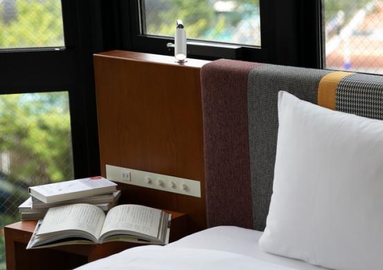"""ホテル エディット 横濱が""""あなたのために選んだ本""""と過ごせる「選書付宿泊プラン」を販売開始"""