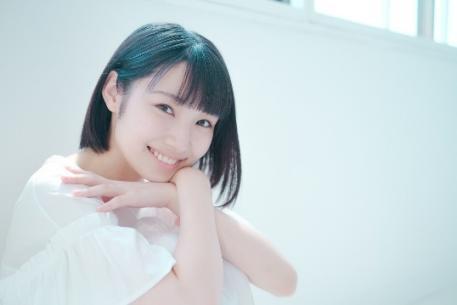 リレー形式の連載小説「100回継ぐこと」に女優・白石優愛さんが参加