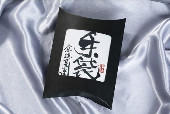 グッズ1:オリジナル革手袋(レプリカ)パッケージ