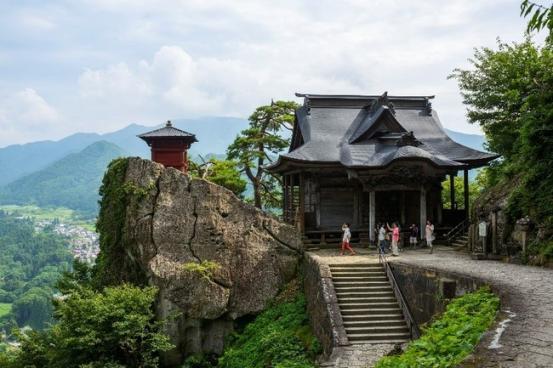 松尾芭蕉ゆかりの山寺(山形市)