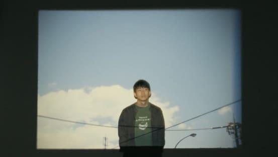 『これはただの夏』PVより。プロジェクターの写真は草野庸子さん撮影
